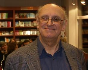 Petros Markaris en Wikipedia